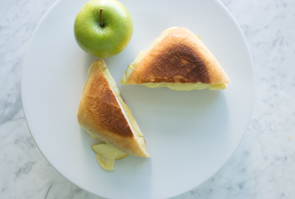 gruyere apple grilled cheese