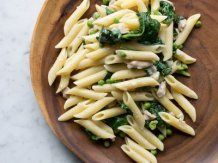 Creamy Chicken Pasta with Spinach and Peas