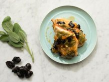 apricot chicken with prunes and sage