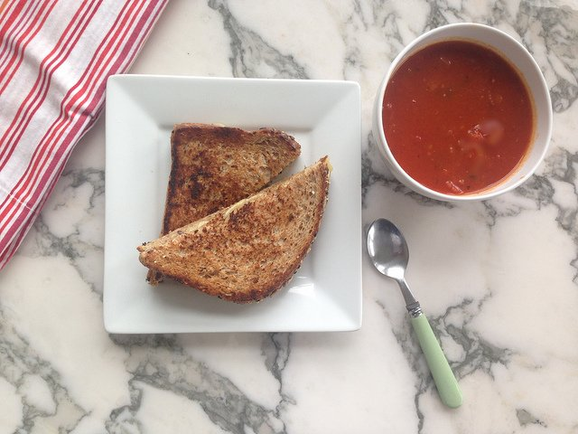 Quick Tomato Soup And Grilled Cheese Sandwich