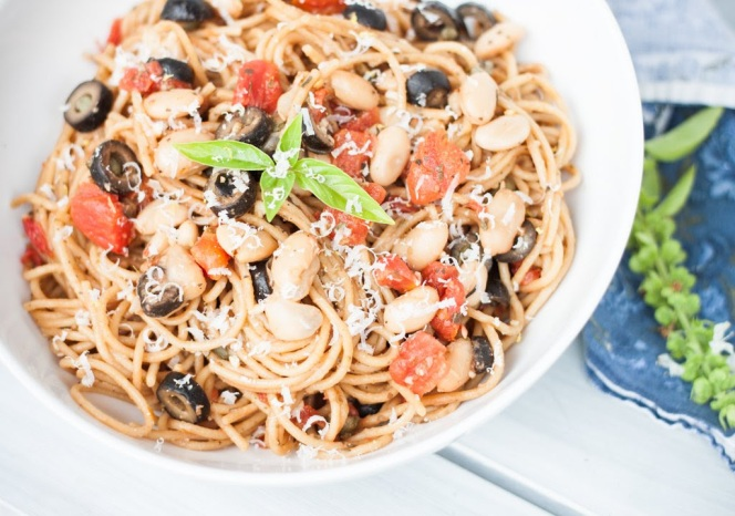 "One Pot Spaghetti ""Puttanesca"""