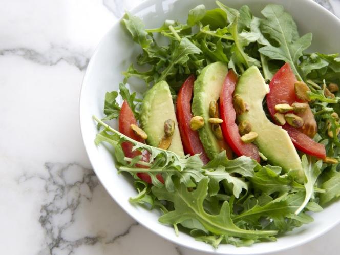 Simple Arugula Salad With Avocado